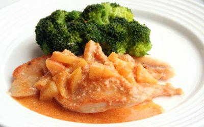 Hühnersteak mit Äpfel und Brokkoli